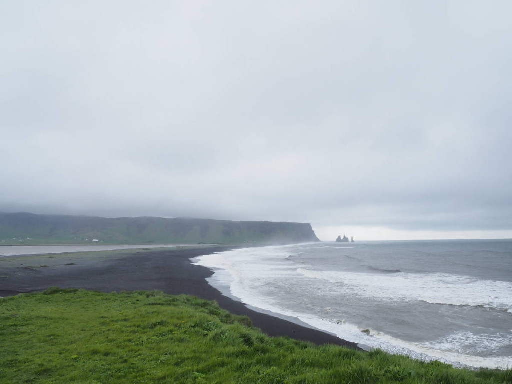 Black sand and Reynisdrangar © Cora Berger