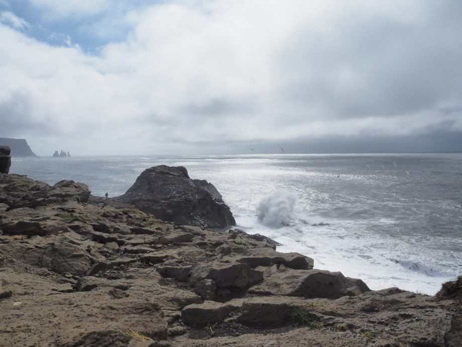 Kap Dyrholaey Wellen und Meer