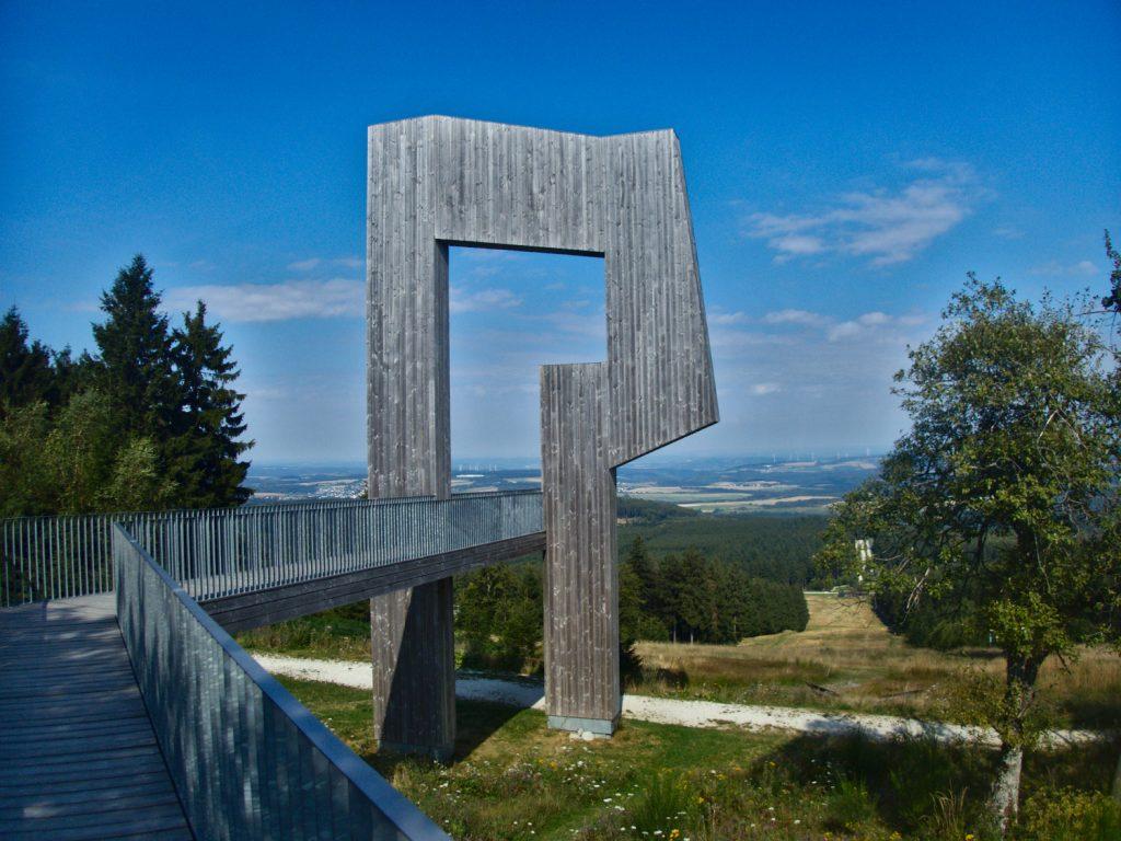 Skulptur Windklang auf Traumschleife Gipfelrauschen © Cora Berger