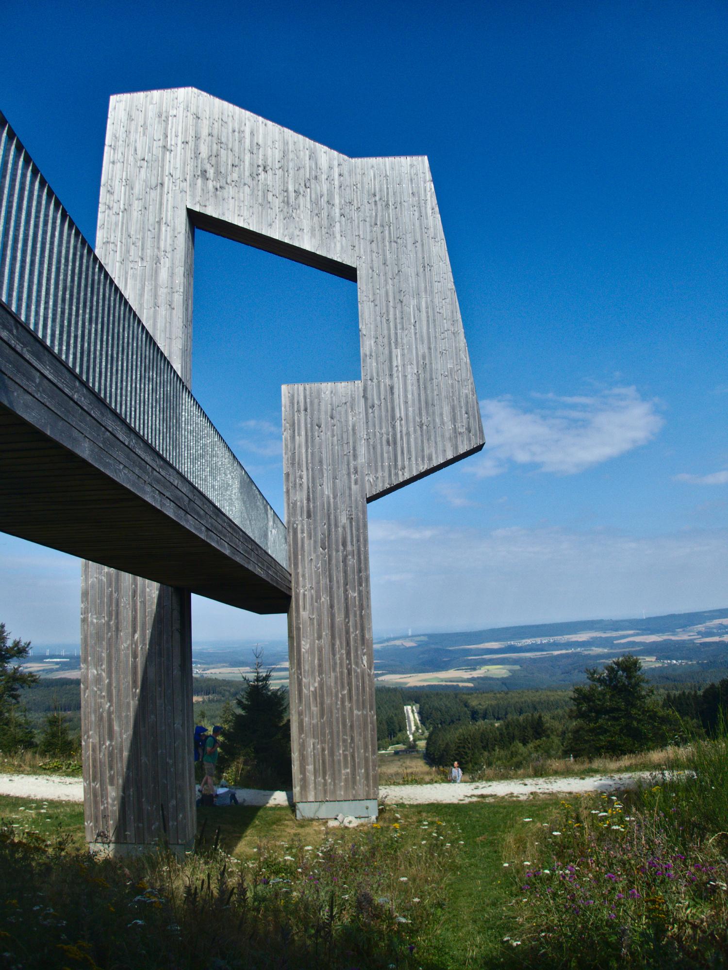 Skulptur Windklang am Erbeskopf © Cora Berger