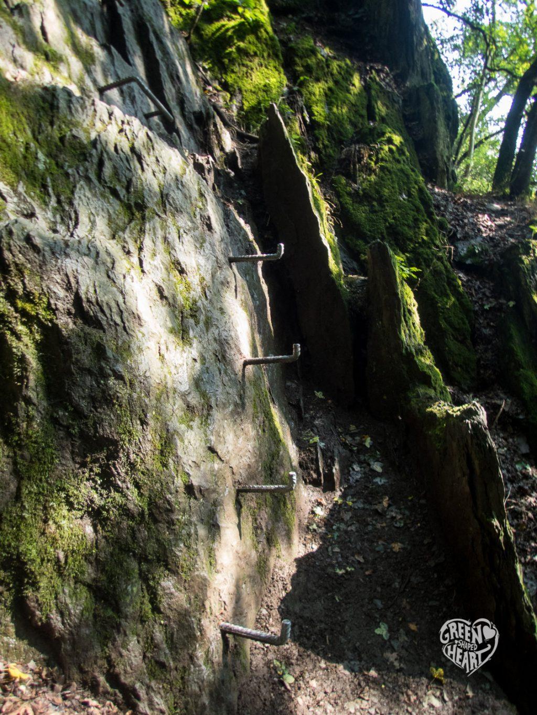 Steiler Aufstieg am Fels, Traumschleife Mittelrhein-Klettersteig © Cora Berger | greenshapedheart.de