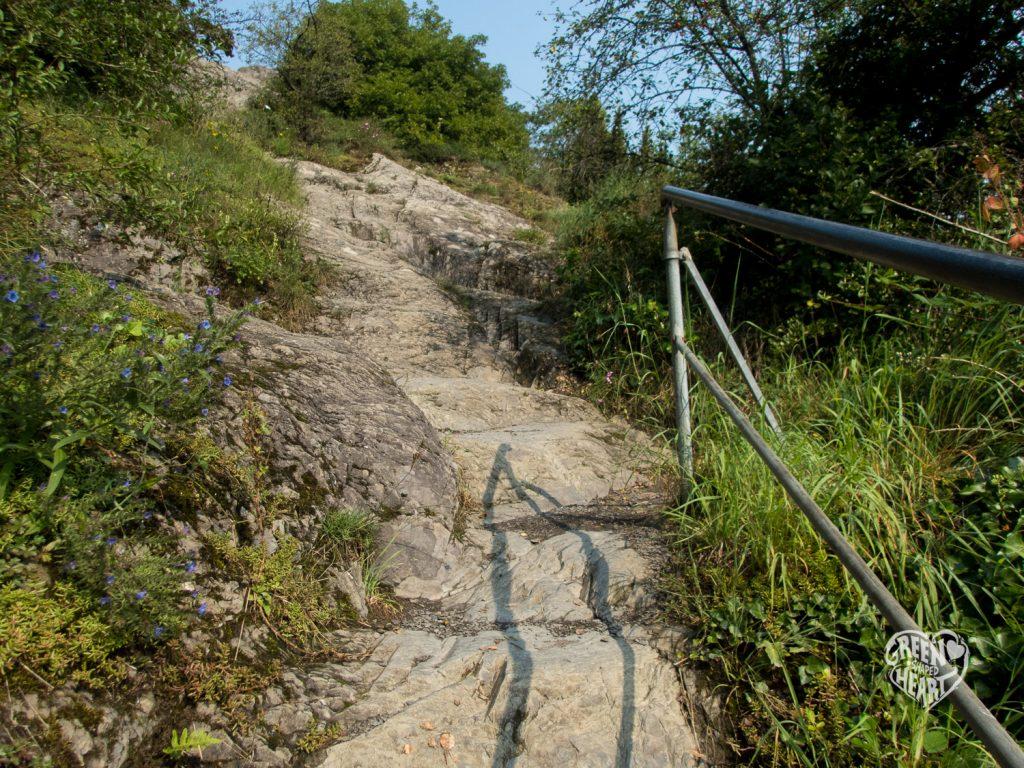 Felsige erste Meter auf der Traumschleife Mittelrhein-Klettersteig © Cora Berger | greenshapedheart.de